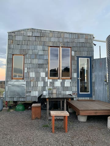 Tiny House Off Grid Campsite @ The Rocks Creswick