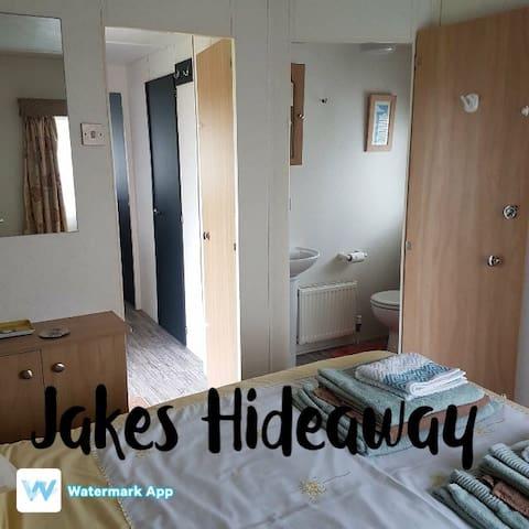 Jakes Hideaway