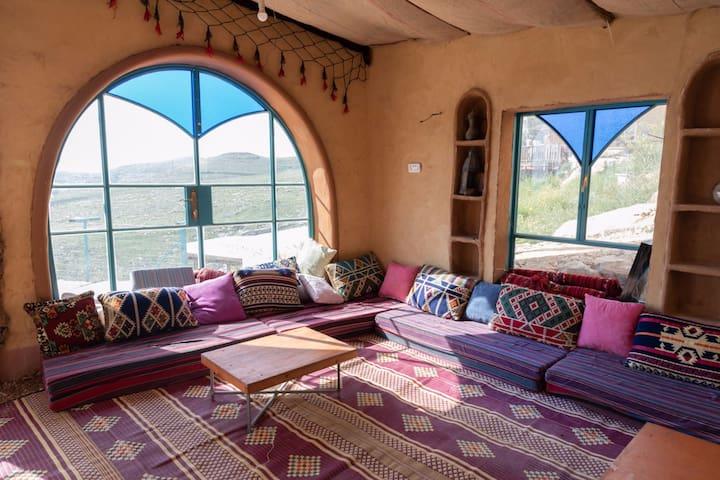 beautiful earthen house -חאן הפינג'אן