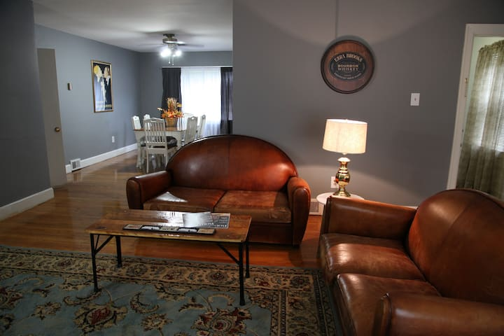 Nice Apt By Uk Campus Hospital And Bourbon Trail Apartments For Rent In Lexington Kentucky