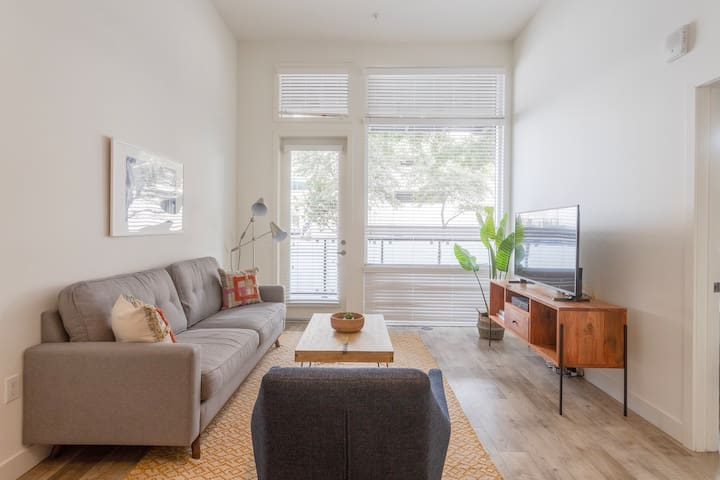 Fantastic 1BR in Pasadena, Pool + Pet-Friendly