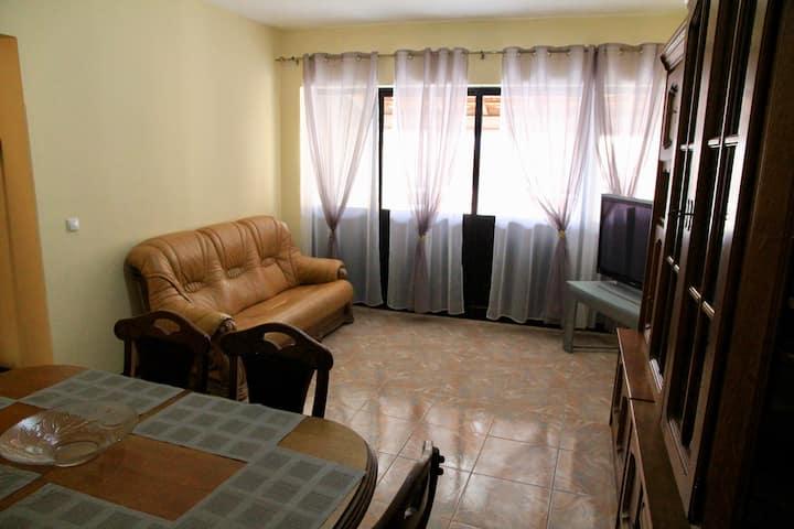 Assomada: Appartement meublé, spacieux et calme
