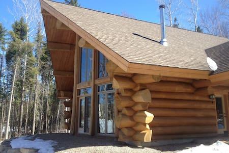 L'Entente, authentique bois rond lac Taureau