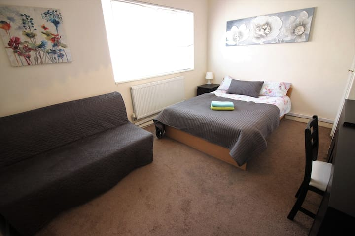 (FUL-B)PRIVATE ROOM FOR 4 NEAR HOXTON - Lontoo - Huoneisto