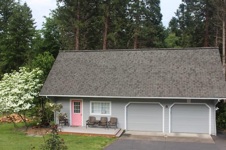 Garden Suite-Cedar Mill, Portland.