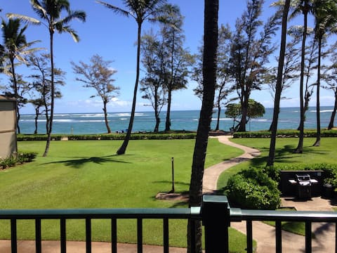 Breezy Oceanfront Pono Kai Resort Condo for 2