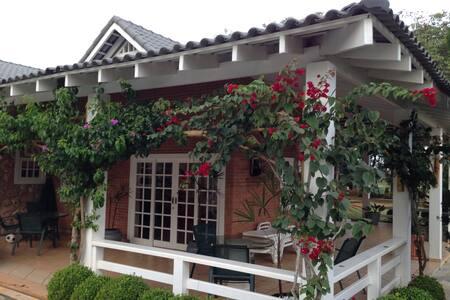 Casa de campo / Rancho Sagitário.