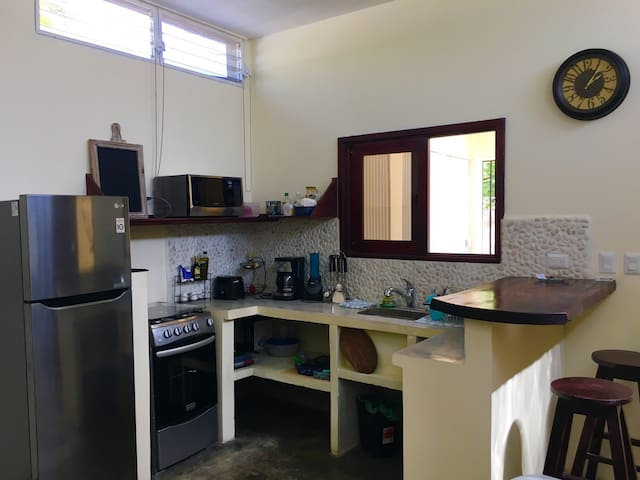 New 1br in town/near beach/wifi - San Juan del Sur - Apartment