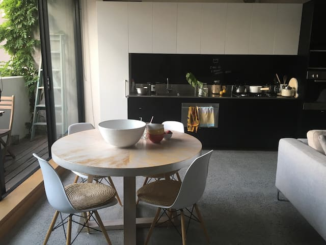 Stylish living St Kilda Beach +wifi - Saint Kilda - Apartamento