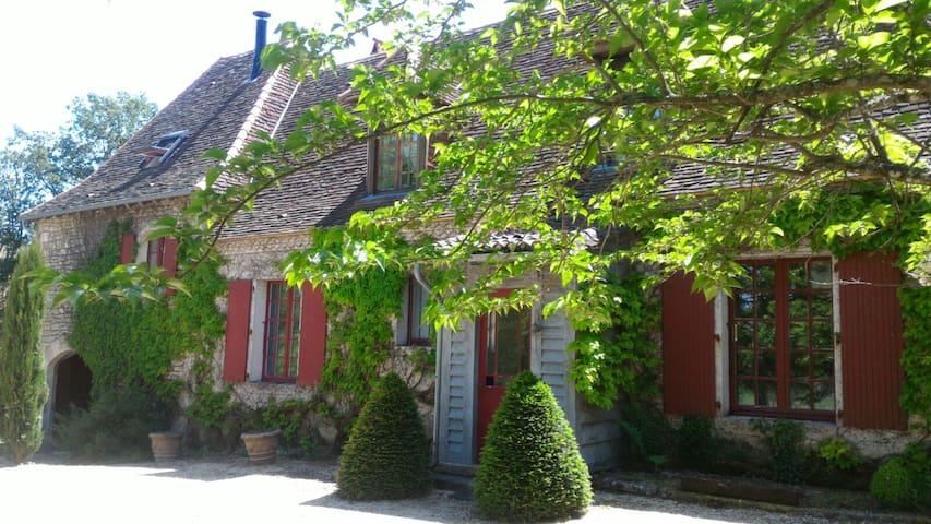 """""""Chez Orthense et Léonore"""""""