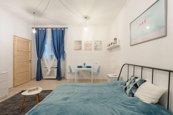 Newcute studio flat with nice terrace