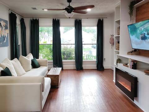 The Mid City Bungalow - 2 Miles from LSU
