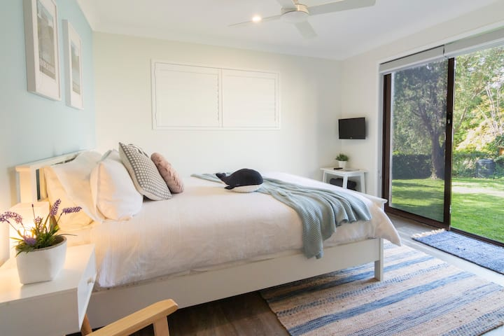 Jervis Bay Retreat ★ 500m to Beach + Self Check-In