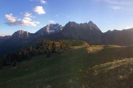 ruhige Almhütte im Herzen der Karnischen Alpen