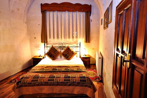 Arch Palace Budget Double Room