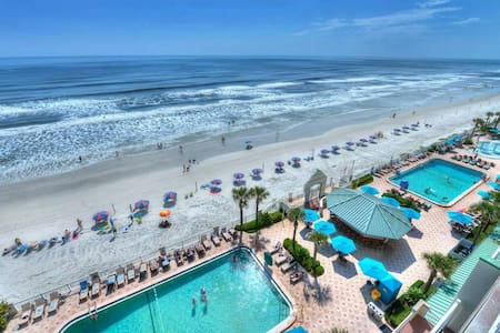 N Daytona Beach Studio Cityview  w 4 pools kitchen