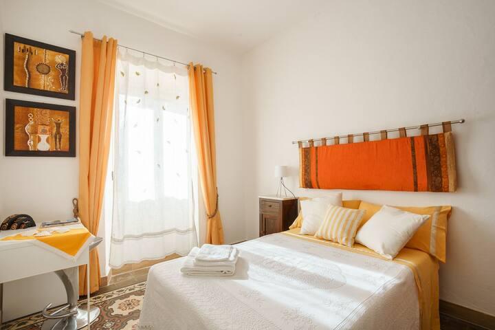 Camera arancione