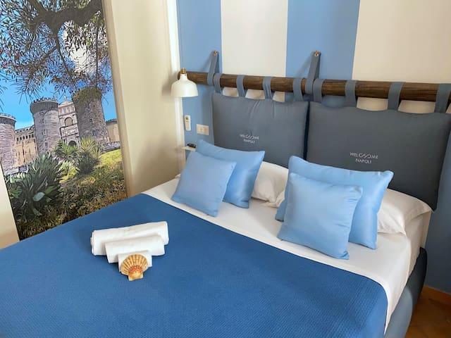 - camera da letto azzura!  - cozy bedroom - Stanza azzurra, continua a guardare per altre foto - Light-blue bedroom, look over for more pics