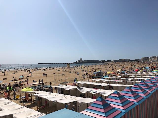 Grande plage de la baie des Sables D'Olonne
