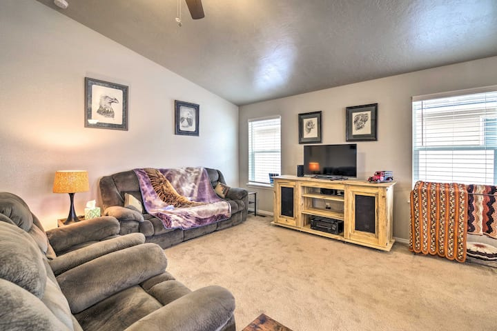 NEW! Updated Family Home w/ Deck, 24 Mi to Boise!