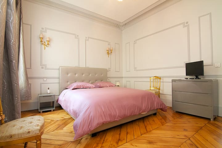 Luxurious 175m² 3BD renovated Opéra/ChampsElysées