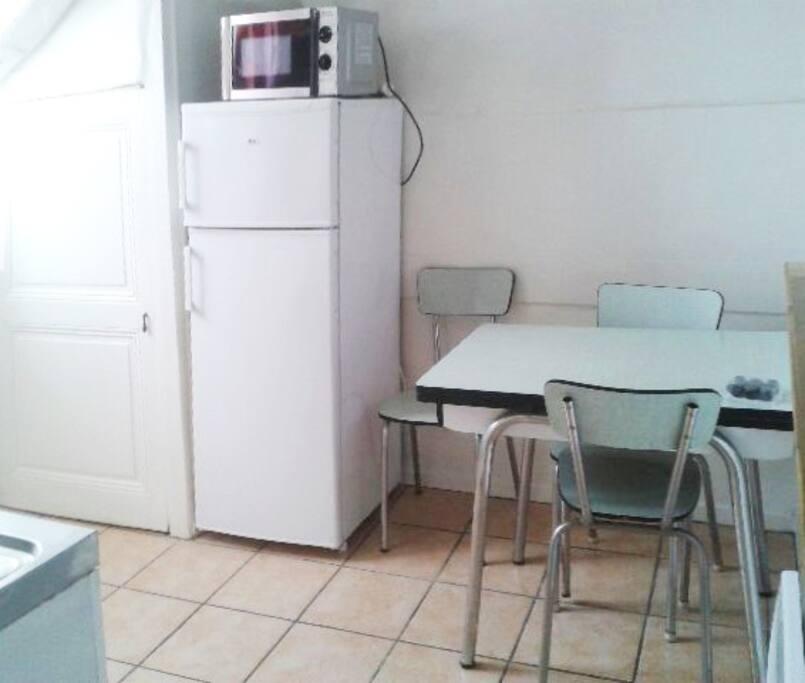 studio f1 meubl centre ville grenoble apartments for rent in grenoble rhone alpes france. Black Bedroom Furniture Sets. Home Design Ideas