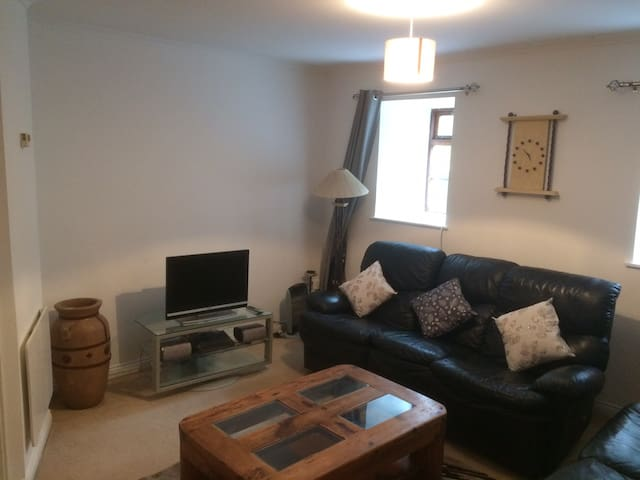 Spacious two bed apt in Wexford town centre