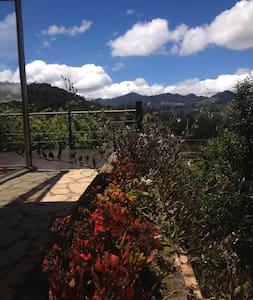 Fabulosa casa en la montaña muy cerca de Bogota