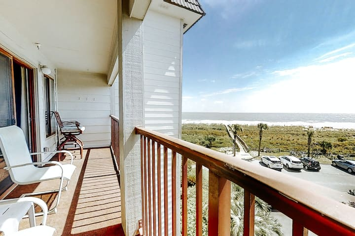 Oceanfront island oasis w/ a balcony, shared pool, tennis, & direct beach access