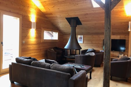 Splendid renovated chalet of 240m² with welness area and home cinema
