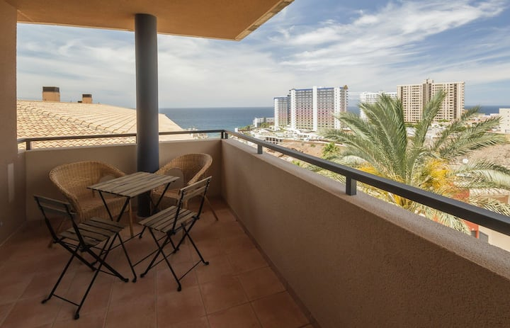 Comfortable 2-Bed Apartment in Playa Paraiso