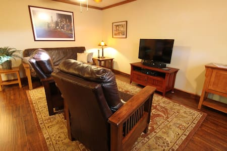 Texas Bungalow Haven - Fort Worth - Guesthouse - 2