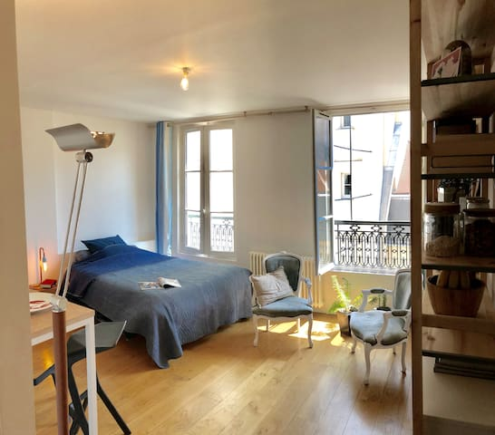 Paris Le Marais - Quiet, bright and cosy studio