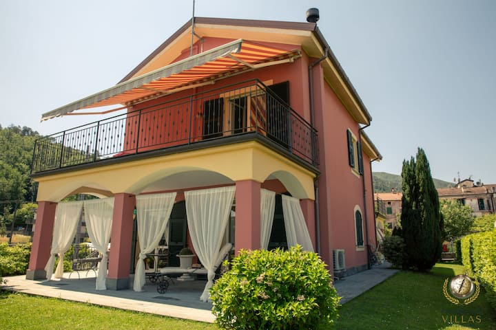 Villa Cinqueterre, few km away from Ligurian sea