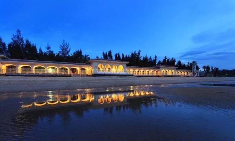 五星级酒店内3公里南港、新海港、火车站。50米亲海全新房源