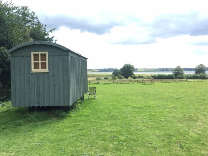 Shepherds Hut. Suffolk Coast: Glamping.