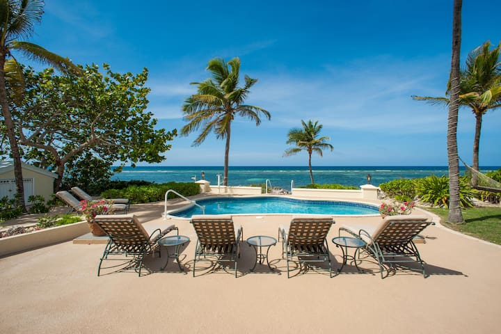 Gypsy: Sleek Luxury Villa on Rum Point Shores with a Beautiful Pool & Breathtaking Views