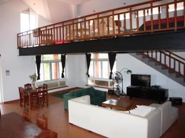 Family House for friends or family - Kampot - Loft
