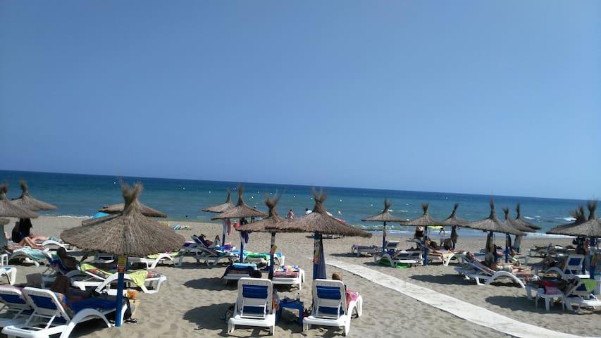 Gorgeous bedroom, sea  views & golf, Mijas, Málaga