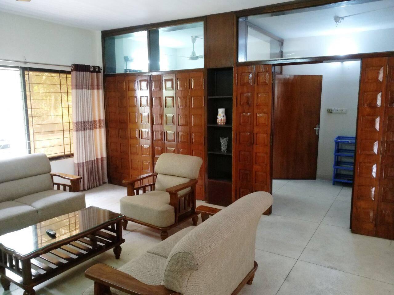 3 Room Flat 3 bed flat at old dohs, banani, dhaka, bangladesh