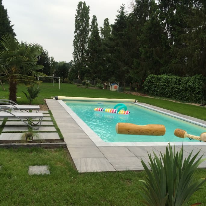Maison avec piscine tout confort houses for rent in for Piscine romorantin