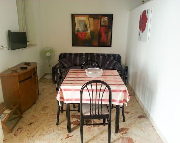 Vicino al mare e al centro storico - Manfredonia - Apartamento