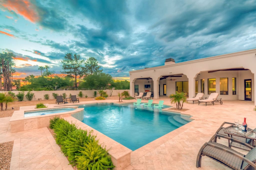 When the Arizona sun begins to set, relax and unwind in the luxurious backyard patio.