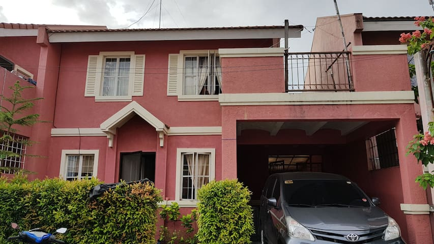 House in Daanghari- Vista Alabang
