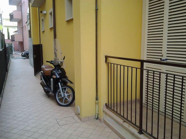 Monolocale ampio e accogliente quasi nuovo - Rimini