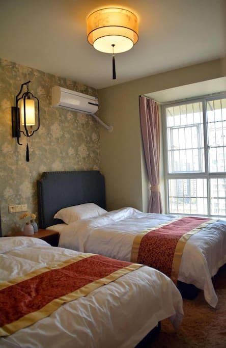 卧室2单人床