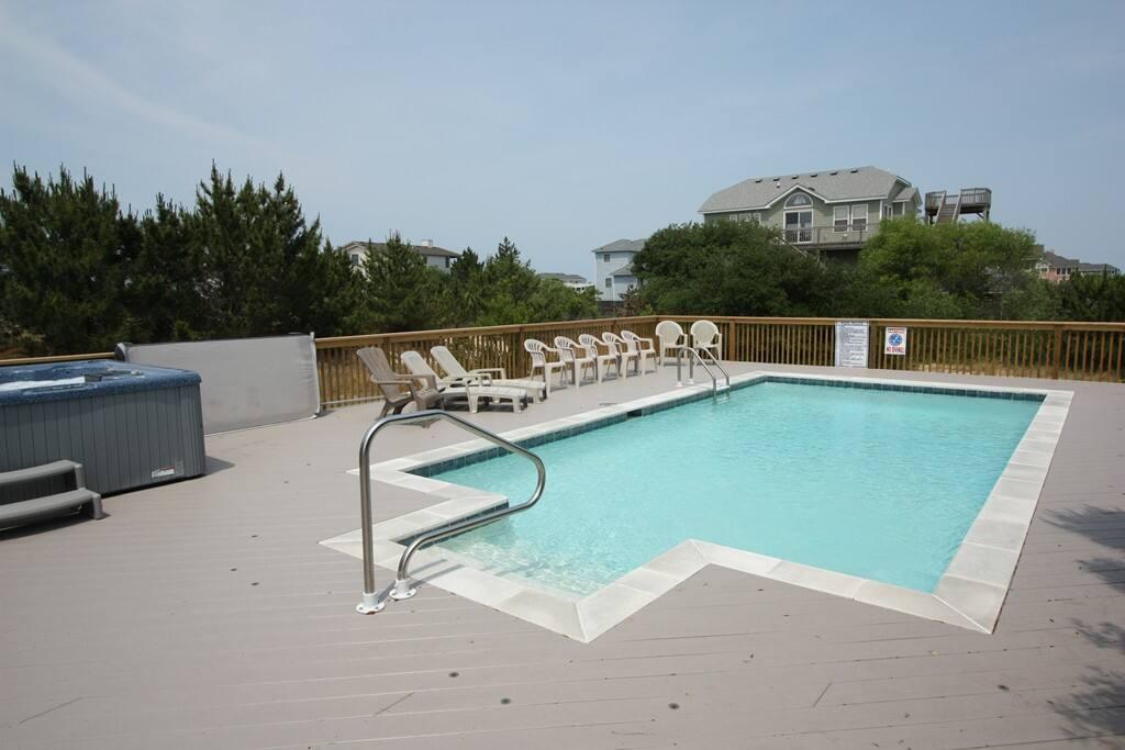 WH501: Follow The Sun | Pool Area