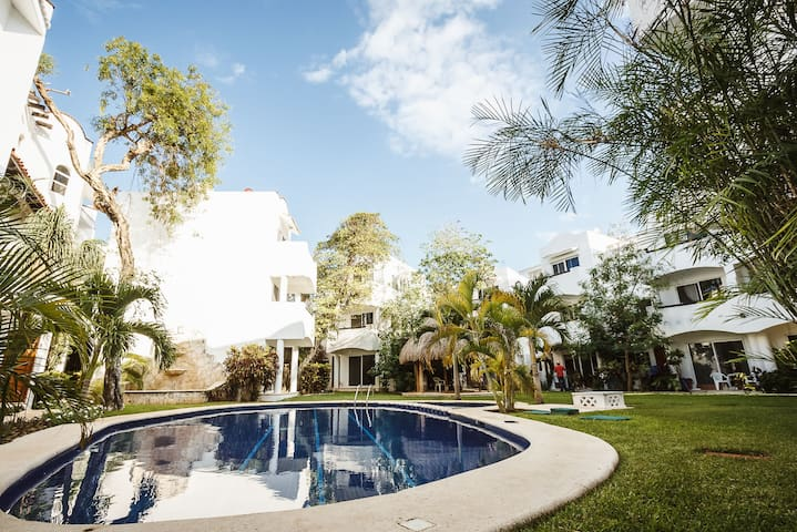 Playacar Condo Close to Beach - Quintas
