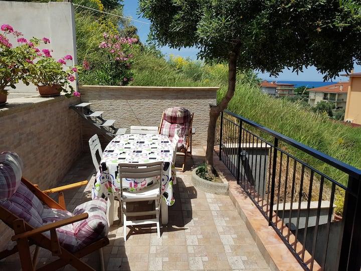 Vacaciones de verano cerca al mar Calabria Italia