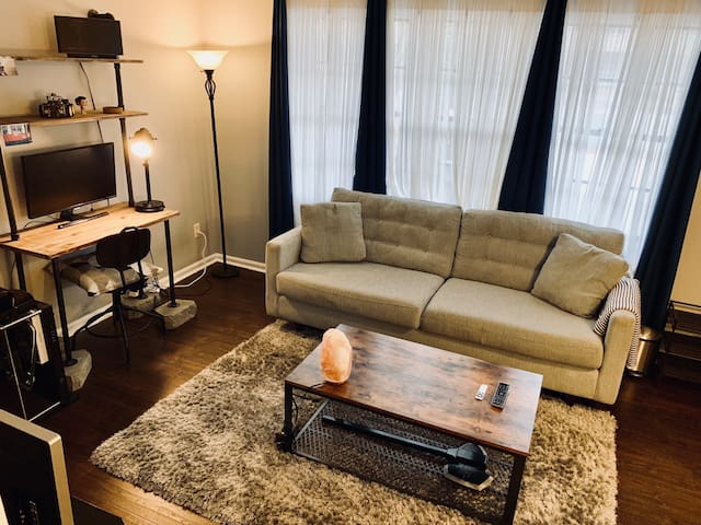 Cozy 1 BR Condo in Central DT Durham w/ Pool